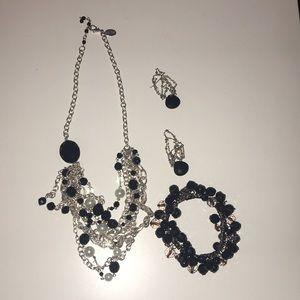 Necklace earrings & bracelet Silver black & pearl